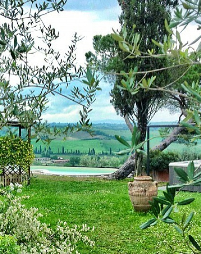 Capanna's wonderful garden with pool, views and ho