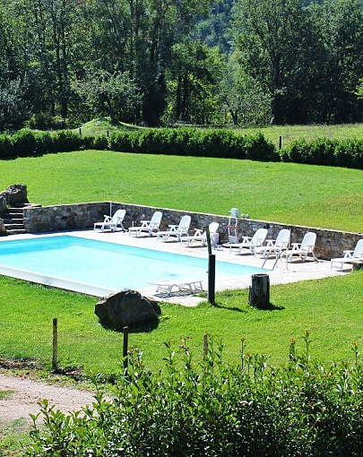 Monna ancient farmhouse with pool in Tuscany